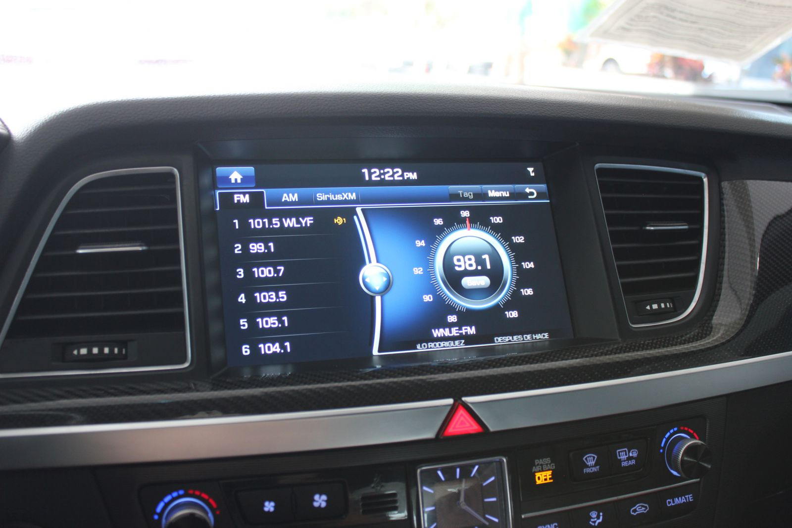 Sample picture showing GPS system on Volkswagen